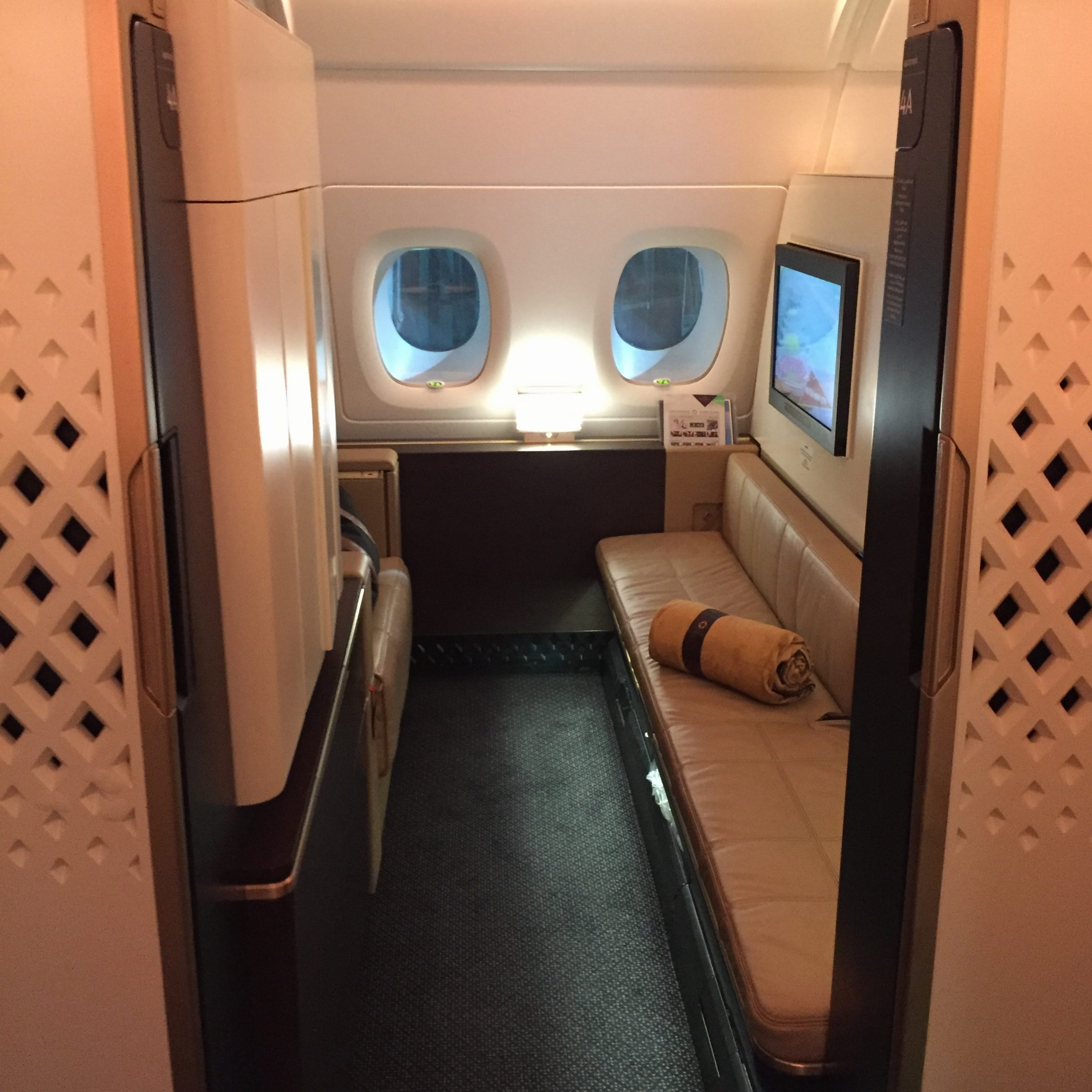 A look into my apartment: Etihad First Class A380 Apartment 4A