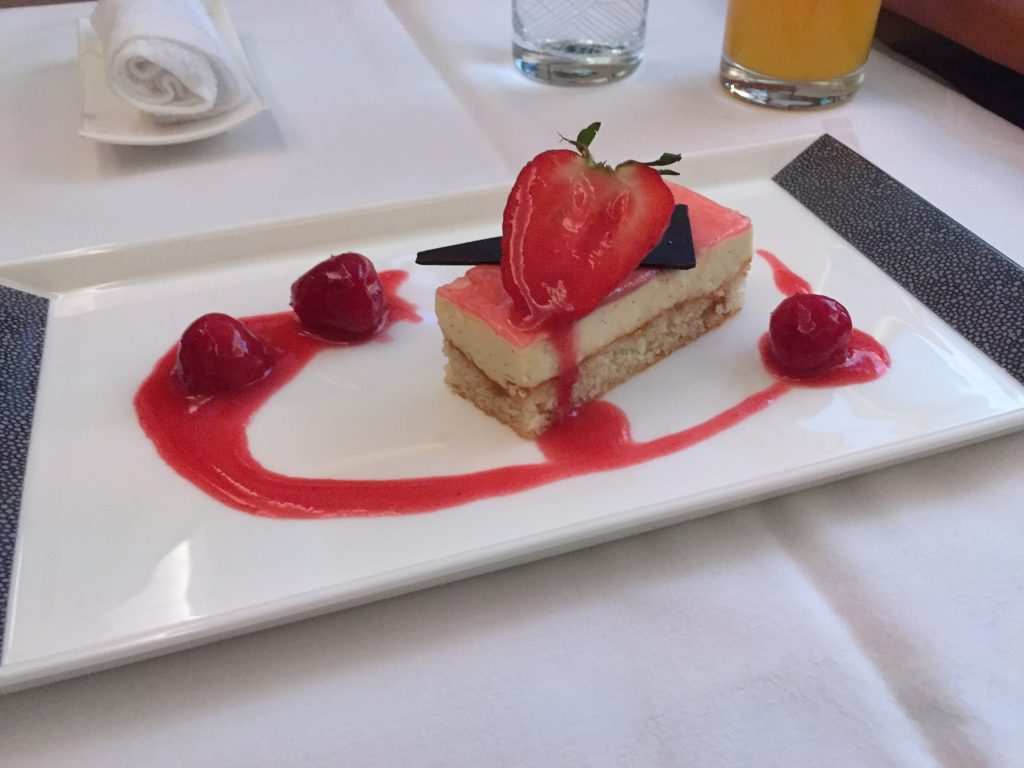 Singapore Suites Class Strawberry Shortcake