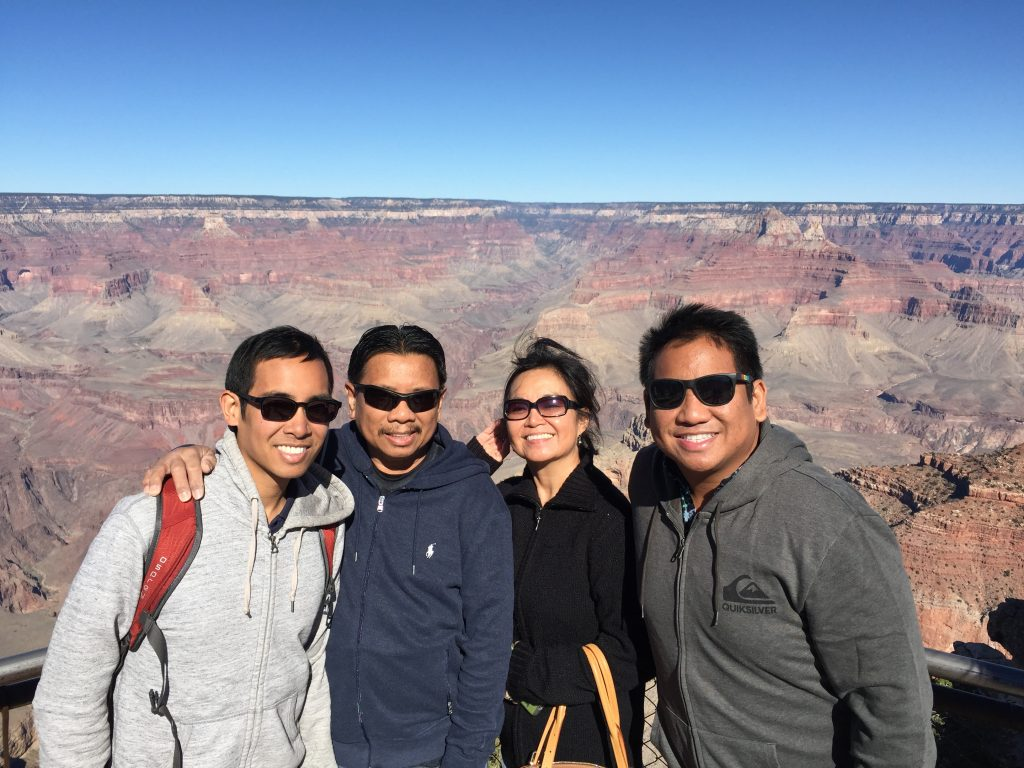 grand-canyon-with-family